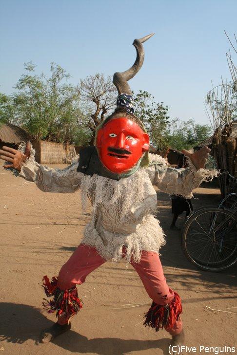 チェワ族の踊りのハイライト