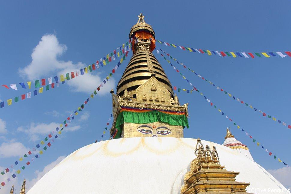 スワヤンブナートはチベット仏教の寺院(ネパール)