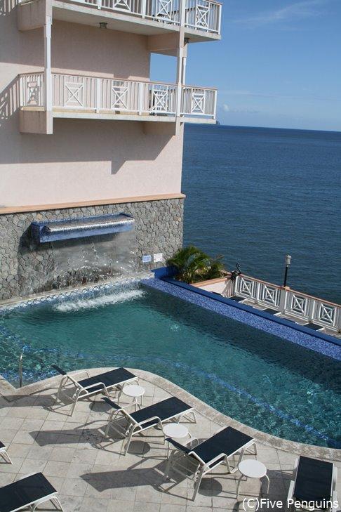 フォートヤングホテルはビーチがないけどプールあり