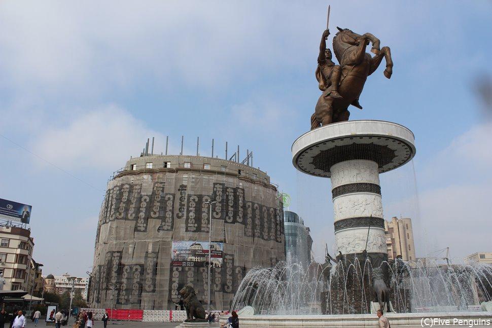 マケドニア広場/アレキサンダー大王の像