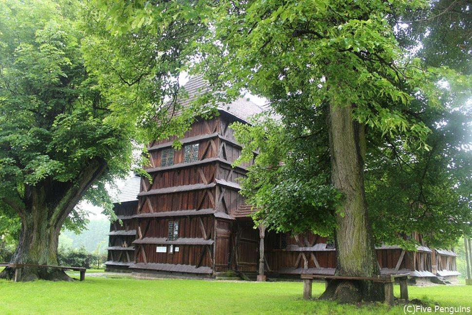フロンセック木造教会(スロバキア)