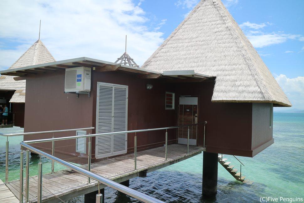 ニューカレドニア唯一の水上コテージを誇るホテル