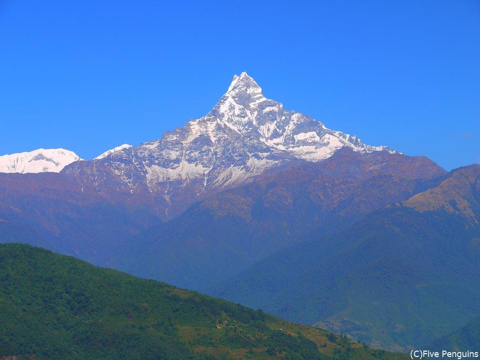 ダンプスで見上げたマチャプチャレ峰(6999m)
