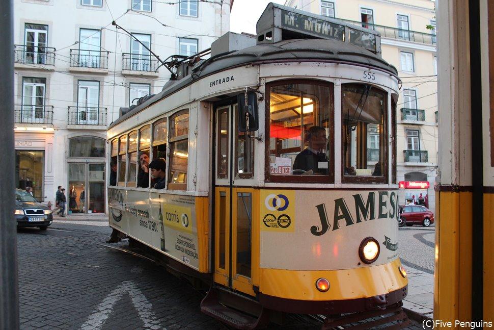 リスボンの市電。鉄道馬車から150年の歴史がある。