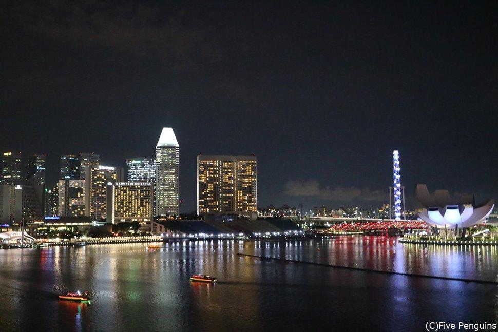 シンガポールは夜景も綺麗。