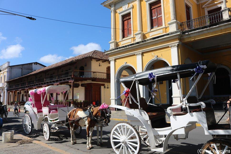 町では可愛らしい馬車も走ります<グラナダ>