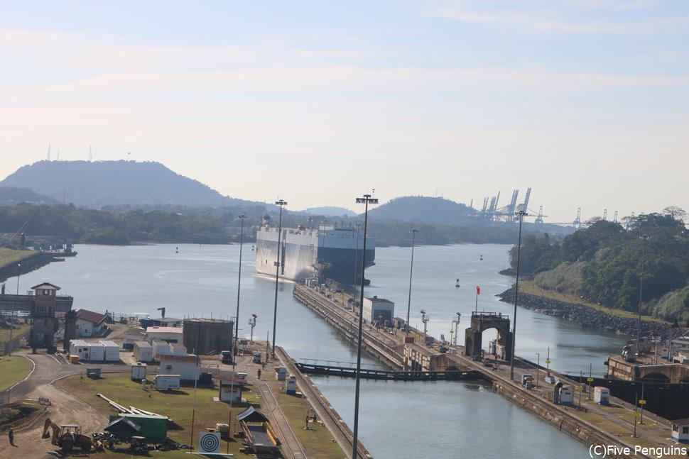 パナマ運河ミラフローレス門(パナマシティ)
