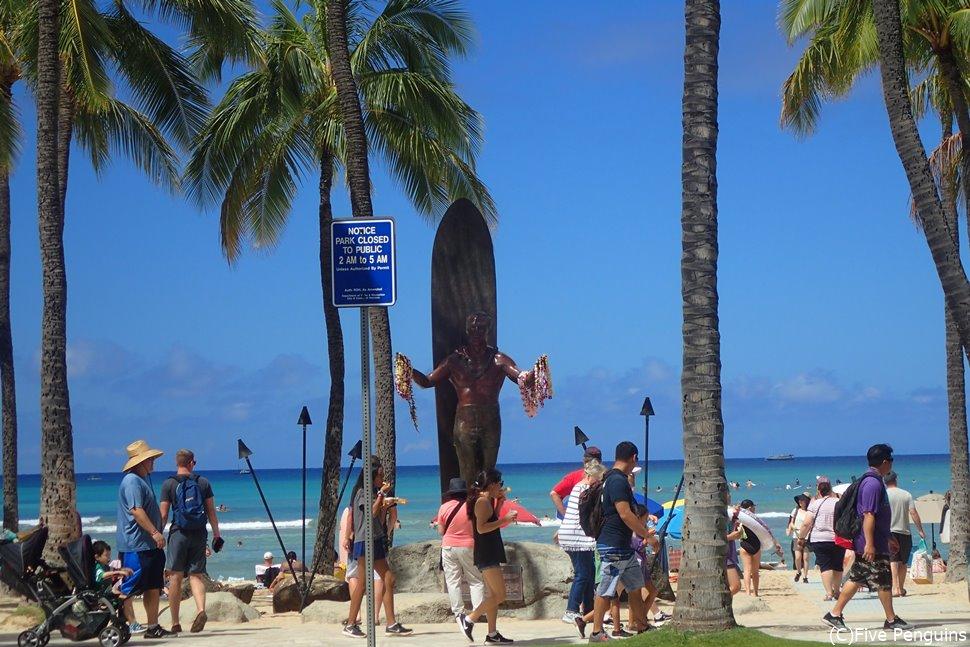 ハワイと言えば、海と青空とカメハメハ大王像