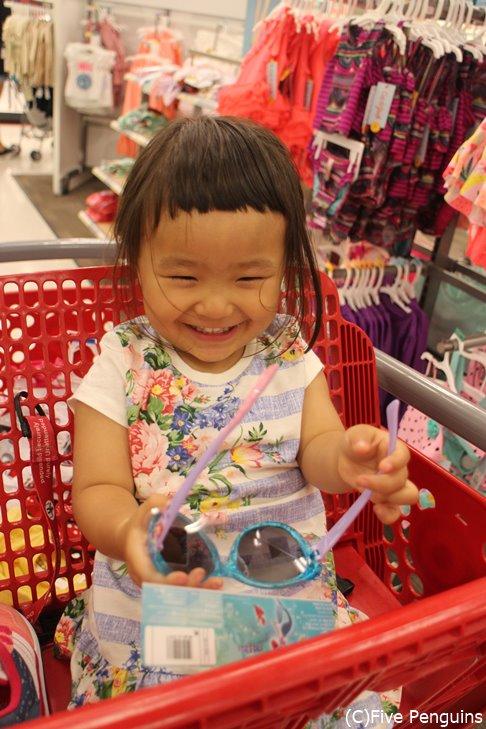 スーパーはかわいい子供服がたくさん♡