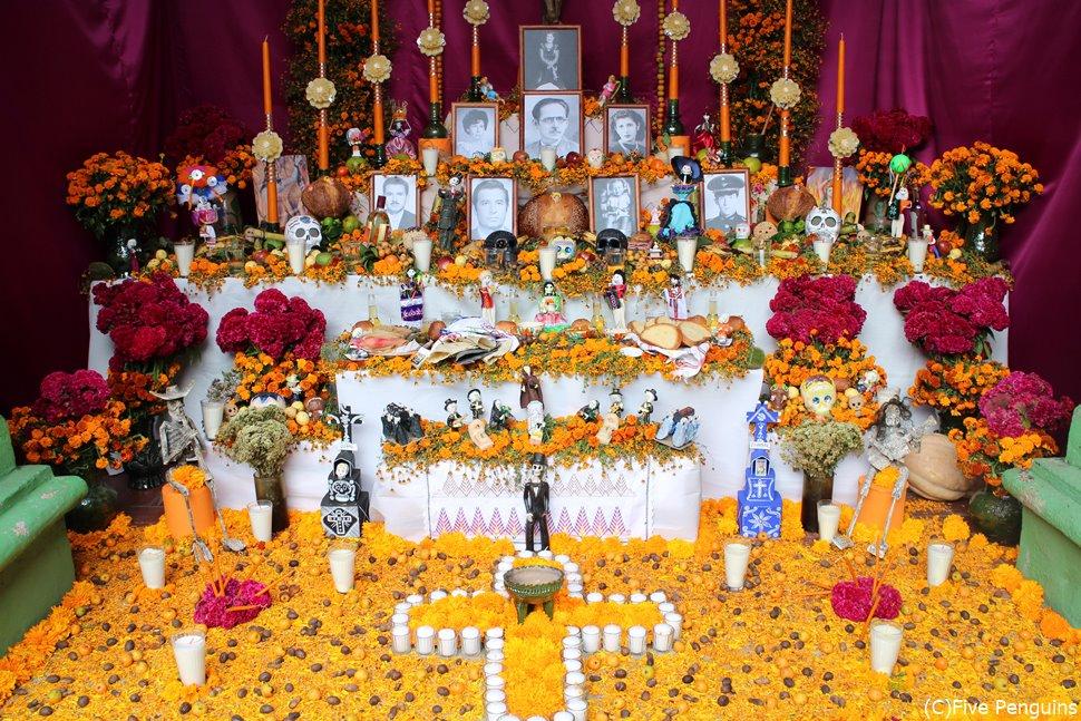 メキシコ「死者の日の祭り」祭壇が可愛すぎる!