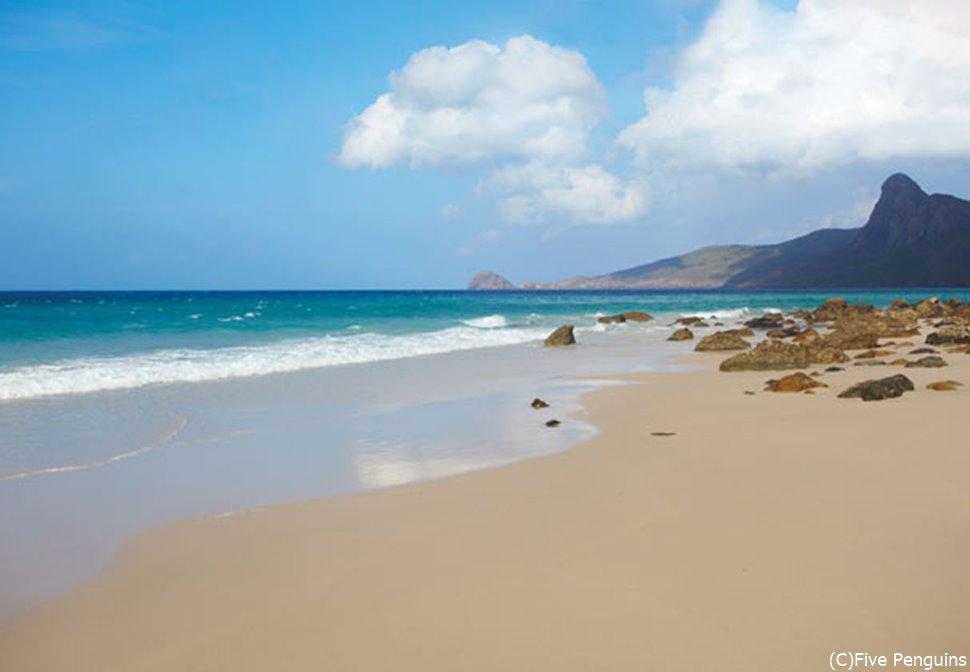 穏やかなコンダオ島のビーチ