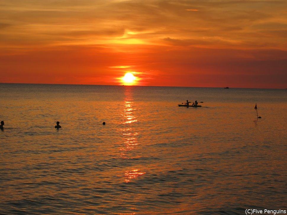 夕陽が美しいフーコックの西海岸