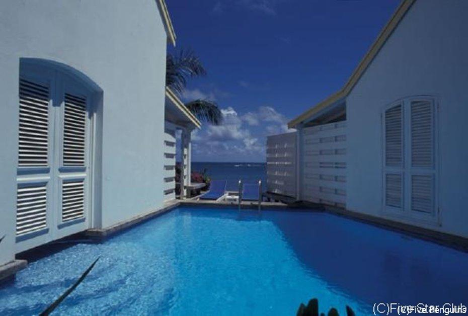 カリブ海を眺めて 日常をエスケープ人生の夏休みへ