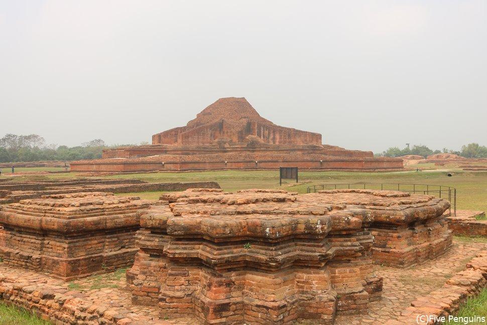 インド亜大陸で最大規模の仏教遺跡パハルプール