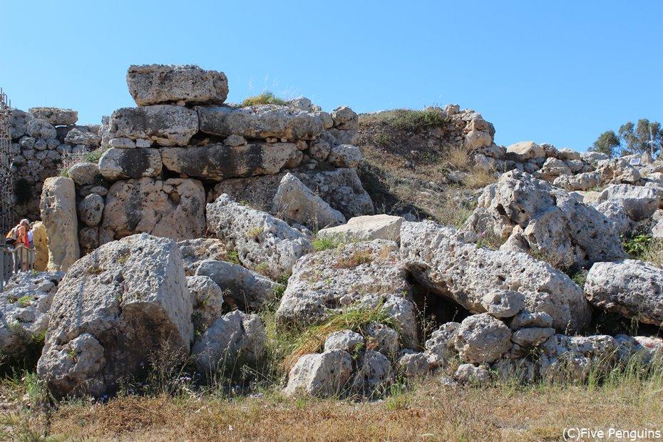 当時の石積み技術の高さに驚かされる。