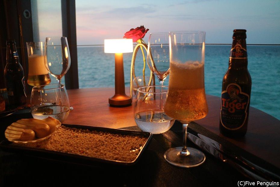 夕日を眺めながらのロマンティックディナー♡