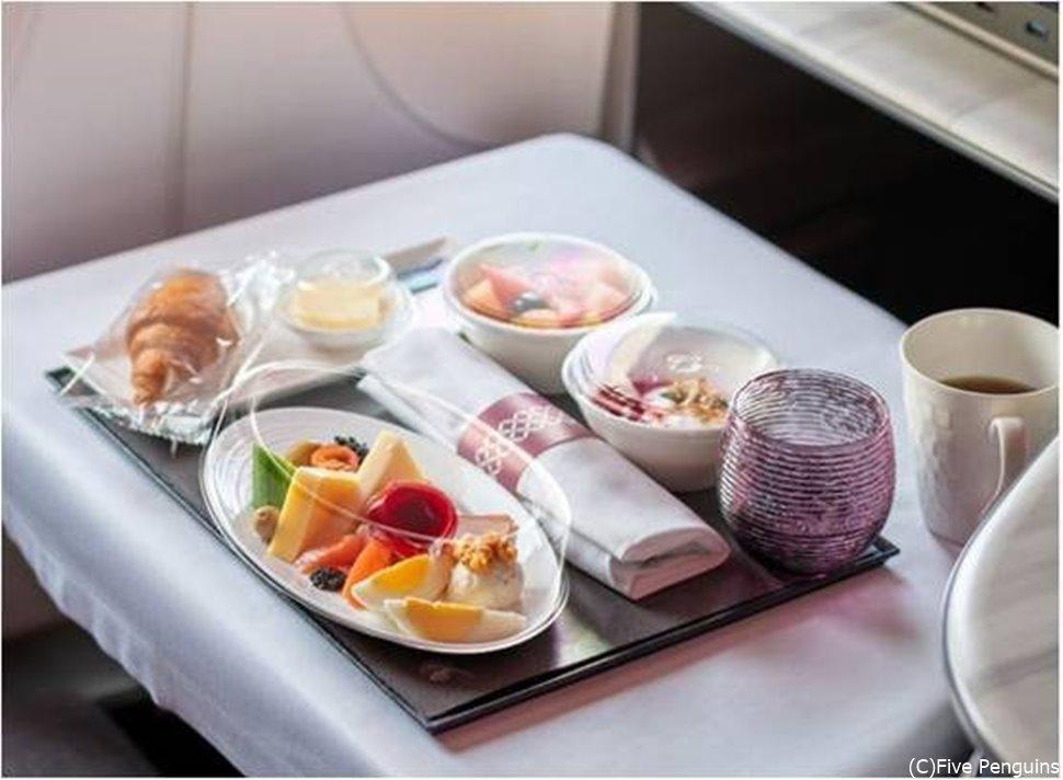 ビジネスクラスの機内食イメージ(2021年5月現在)
