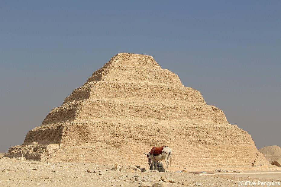 ピラミッド建設の第一歩になった6段の階段ピラミッド