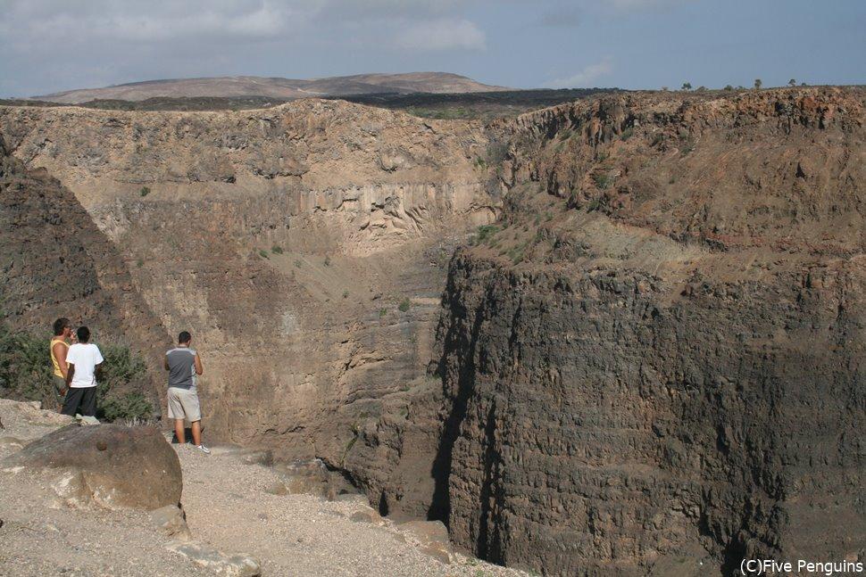 クベト湾周辺の景色もド迫力。