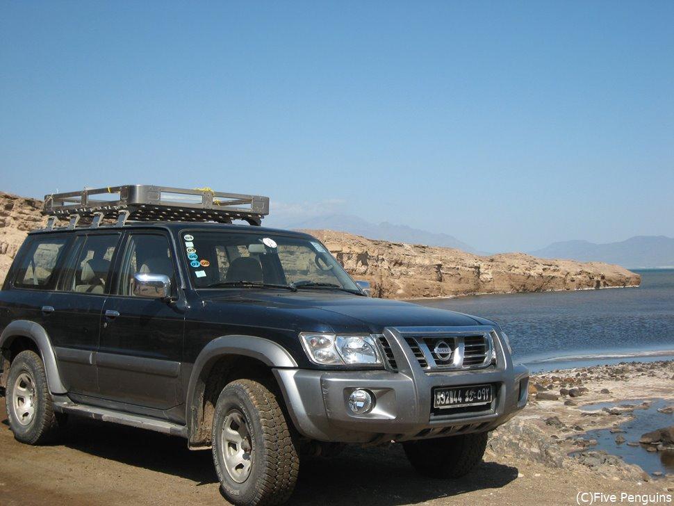 アッサル塩湖へは4WDで行く