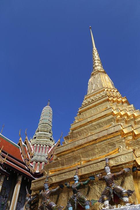 エメラルド寺院とも呼ばれる「ワット・プラケオ」