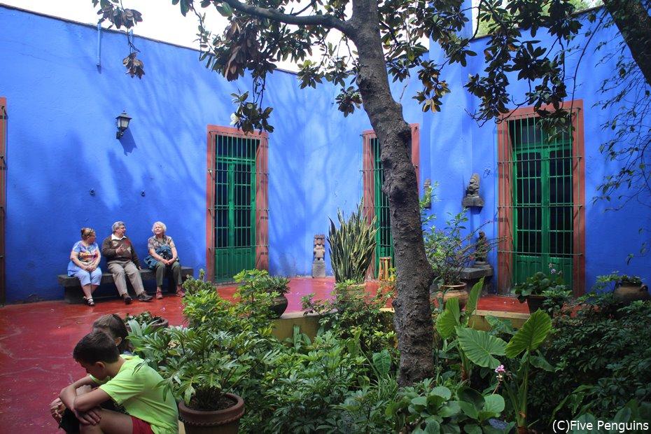別名青い家 フリーダカーロ博物館
