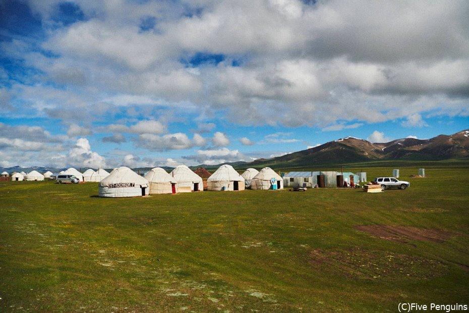 宿泊は伝統的なテント