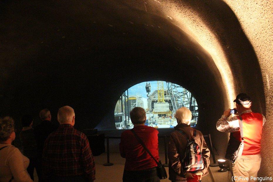 新開通の世界最長トンネル