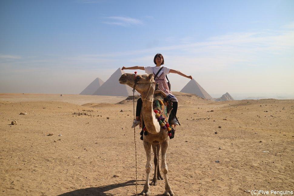 エジプト旅行ではピラミッド観光は欠かせません。
