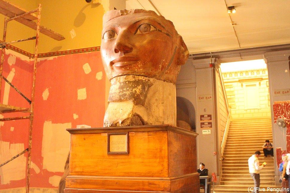 ハトシェプスト女王の像(エジプト考古学博物館)