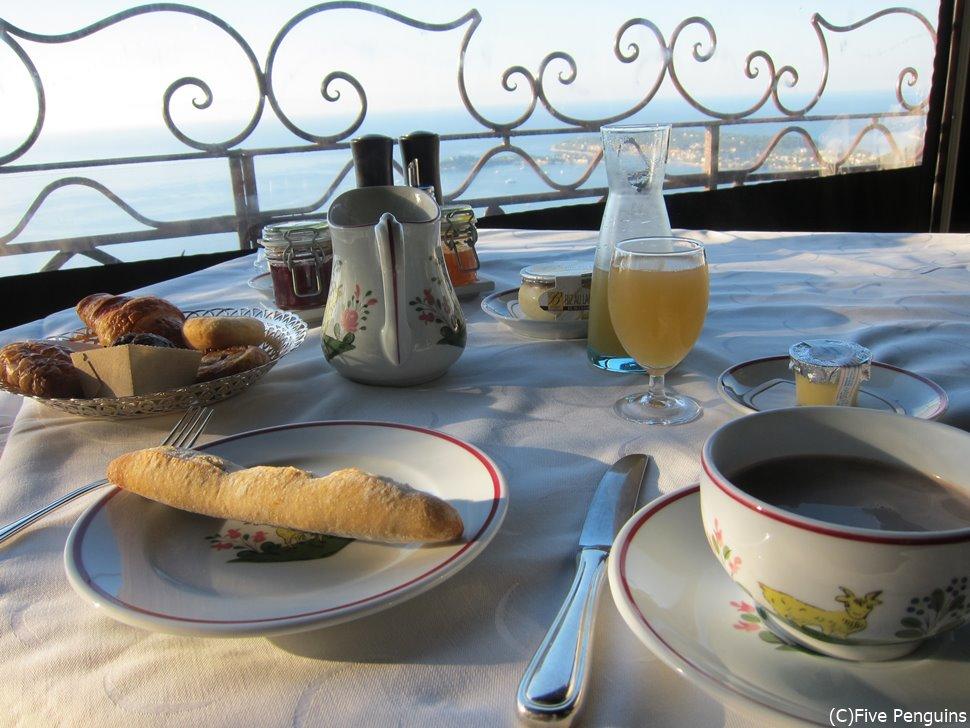 シャトー・ド・ラ・シェーヴル・ドール の朝食