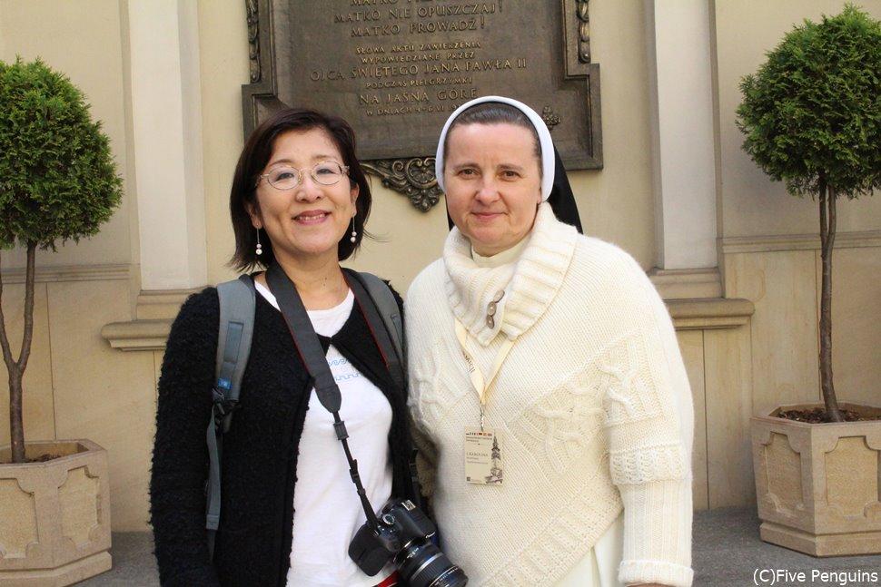 ヤスナ・グラ僧院を案内してくれたシスターさんと