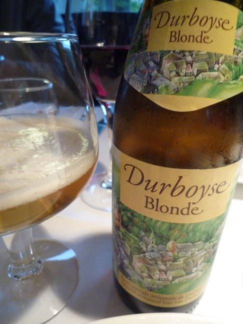 デュルビュイの地元のビールも美味。ラベルも可愛い
