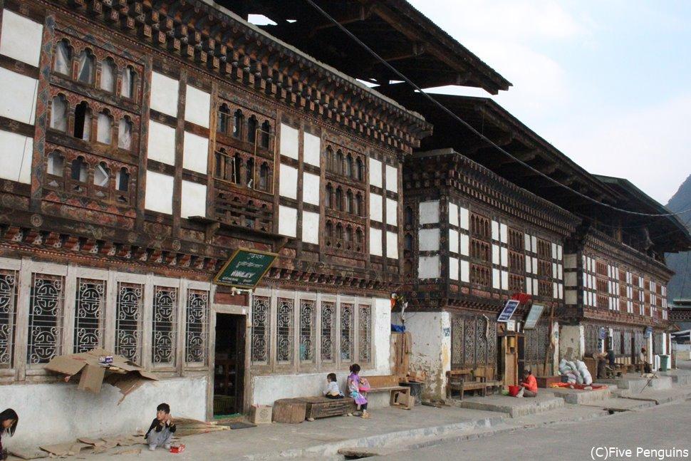 伝統的な建物が多くあるハの街