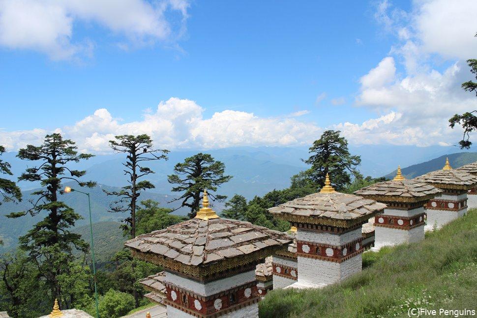 天気が良ければ、ブータン・ヒマラヤを一望できるドチュ・ラ峠