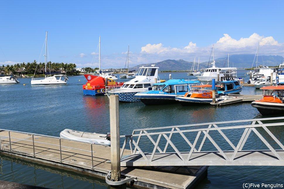 ポートデナラウマリーナの風景 船を観察しているだけでも楽しい!