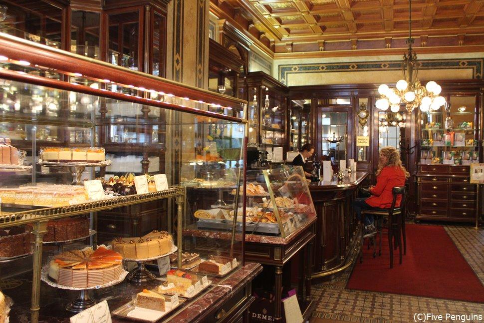 ウィーンの老舗カフェ デーメル