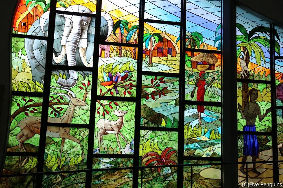 セントポール大聖堂の美しいステンドグラス
