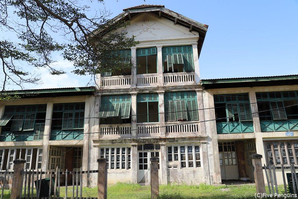 グランバッサム歴史地区にある郵便局跡