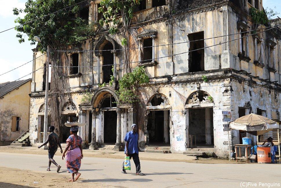 グランバッサムの歴史的建築は世界遺産に指定されている