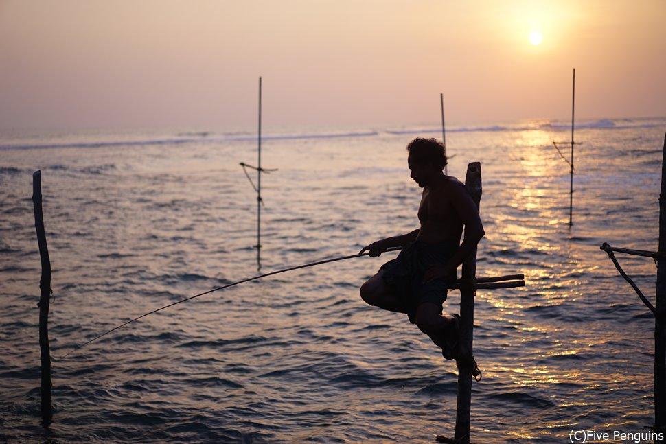 アハンガマビーチ名物のストルトフィッシング