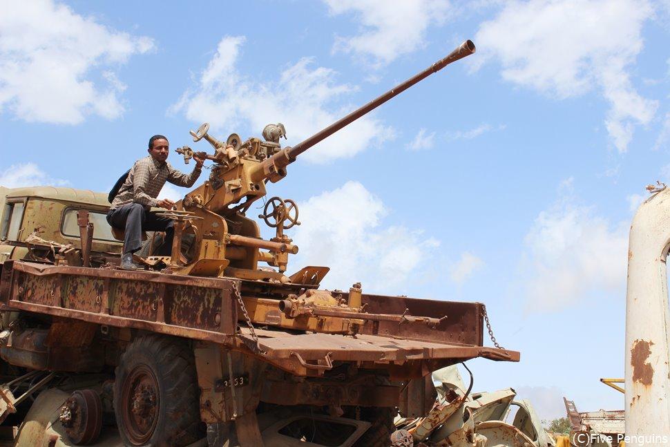 エリトリア独立戦争の象徴「戦車の墓場」(エリトリア/アスマラ)