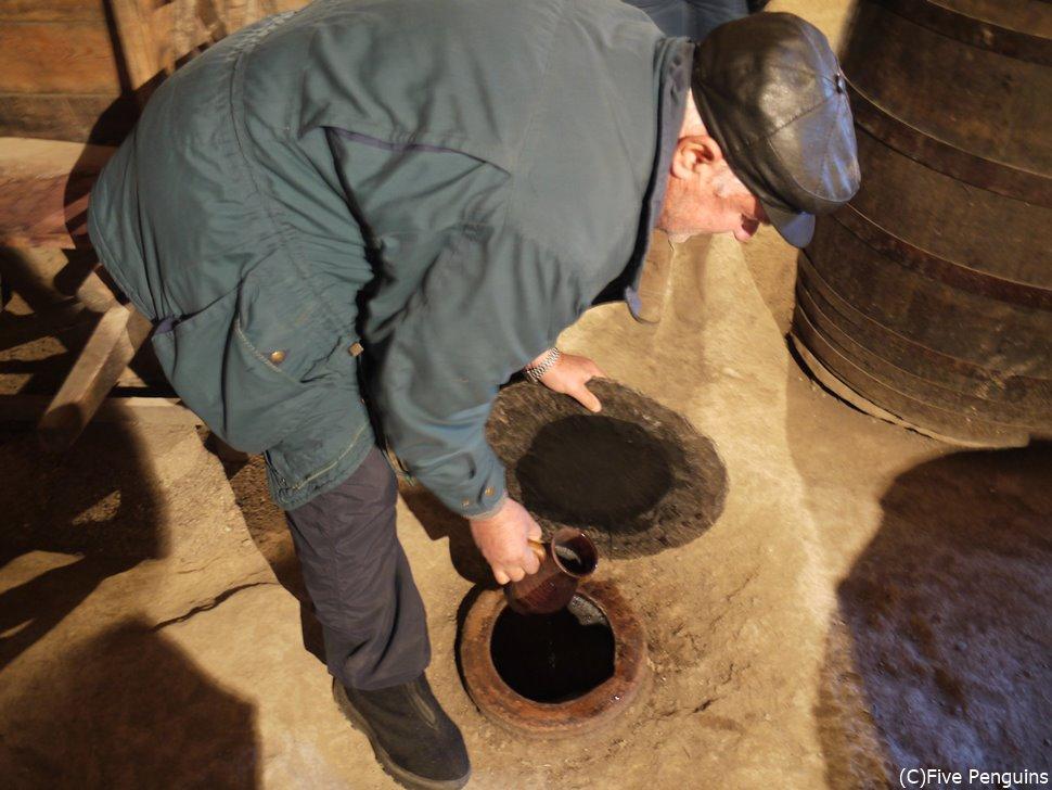 カへティ地方のワイナリー訪問  壷作りのワイン