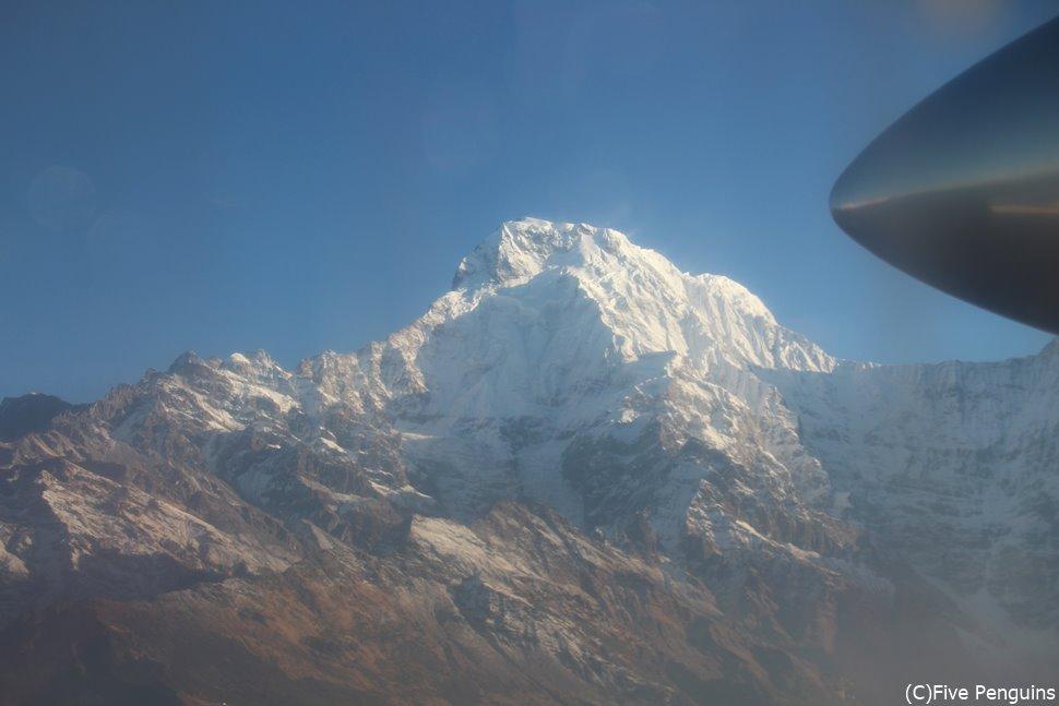 ポカラ-ジョムソン間の機内上空からのヒマラヤ山脈