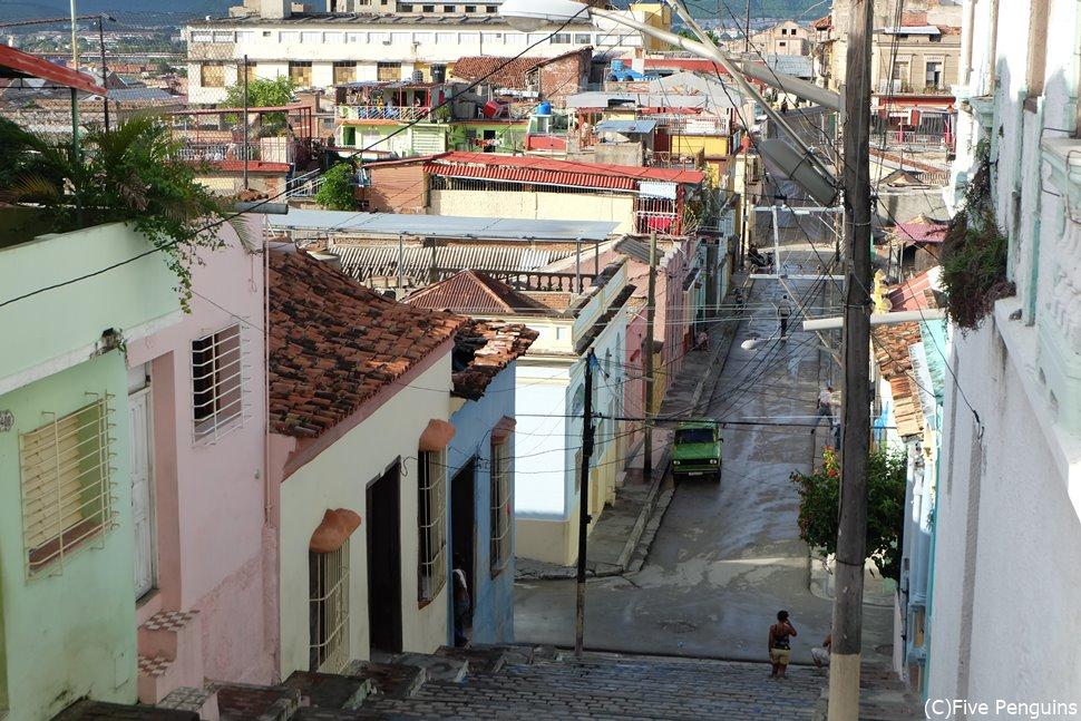 サンティアゴ・デ・クーバらしさが際立つパドレ・ピコの階段