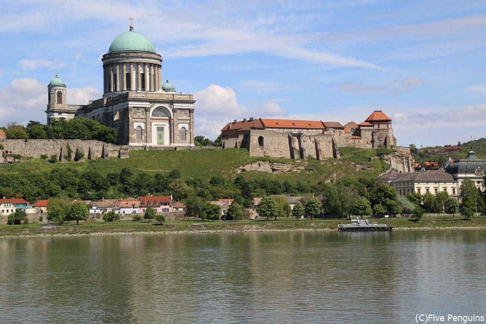 スロバキア側から見たエステルゴム