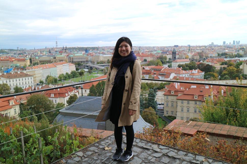 プラハ城からの景色とともに