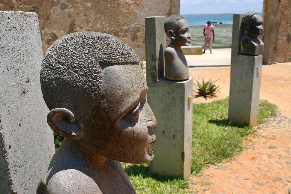 要塞跡の記念碑
